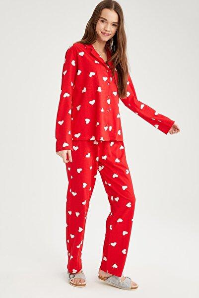 DeFacto Kadın Kalp Desenli Gömlek Yaka Pijama Takımı T6309AZ21SP
