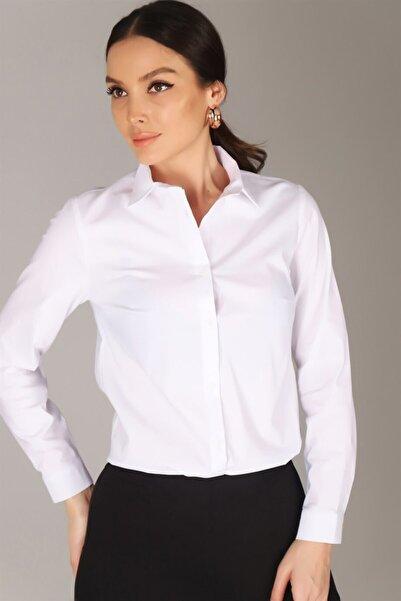 Sweetness Kadın Beyaz Likralı Gömlek
