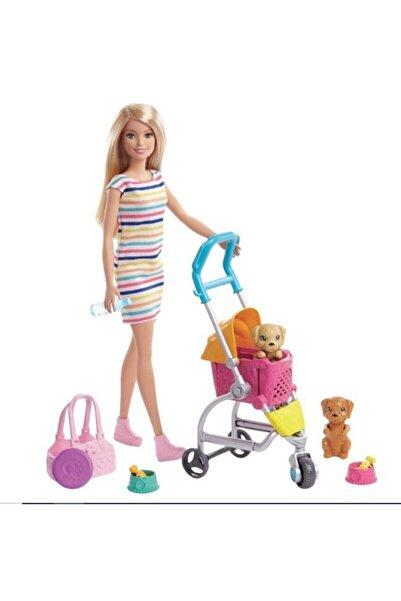 Barbie ® ve Köpekleri Geziyor Oyun Seti GHV92