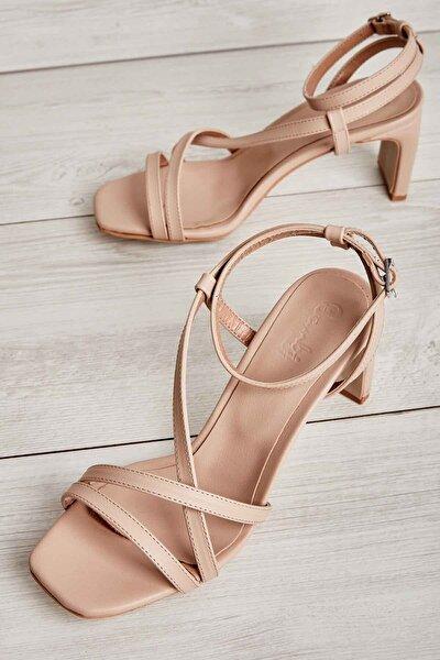 Bambi Ten Kadın Klasik Topuklu Ayakkabı K05575000109