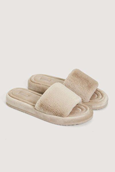Oysho Tüylü Sandalet