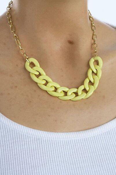 Marjin Kadın Sarı Akrilik Altın Renkli Zincirli Kolyesarı