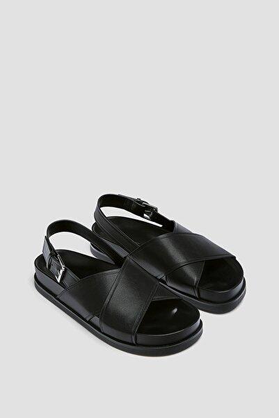 Pull & Bear Çapraz Bantlı Düz Sandalet