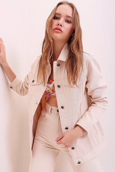 Trend Alaçatı Stili Kadın Bej Oversize Denim Ceket ALC-X6862
