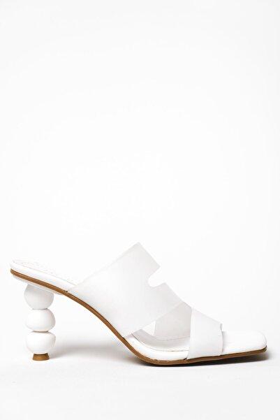 I Love Shoes Bonteca Mat Deri Bant Detaylı Yüksek Topuklu Terlik Beyaz