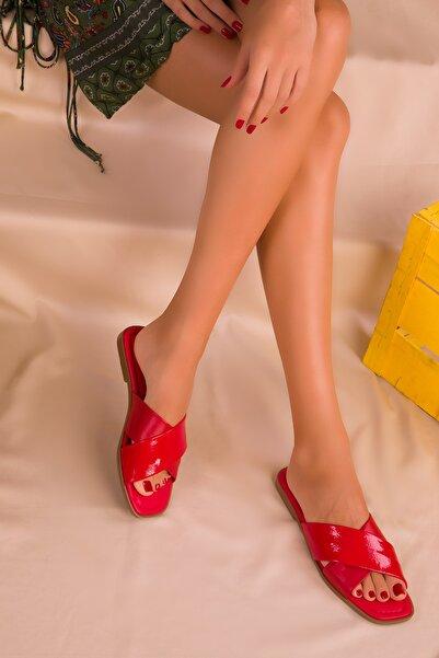 SOHO Kırmızı Mat Rugan Kadın Terlik 14635