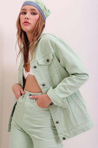Trend Alaçatı Stili Kadın Çağla Yeşili Oversize Denim Ceket ALC-X6862