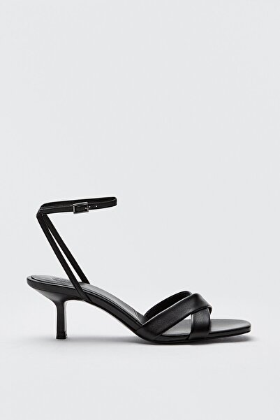 Massimo Dutti Kadın Çapraz Bantlı Siyah Deri Sandalet 11646850