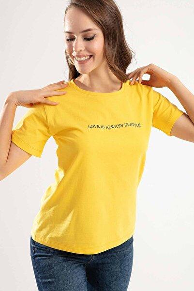 Pattaya Kadın SARI Love is Always Baskılı Semi Fİtted Kalıp Tişört Tişört PTTY20S-4222
