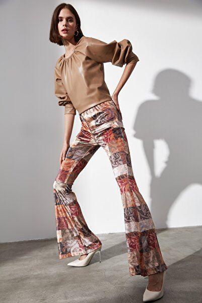 TRENDYOLMİLLA Çok Renkli Flare Paça Örme Pantolon TWOAW21PL0475