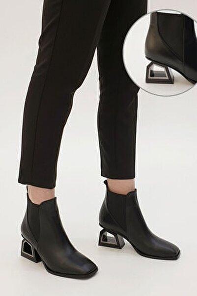 Kadın Siyah Ferlos Lastikli Topuklu Bot