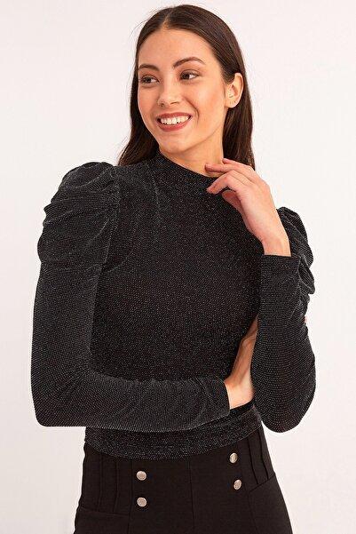 Fulla Moda Kadın Siyah Omzu Büzgülü Simli Bluz