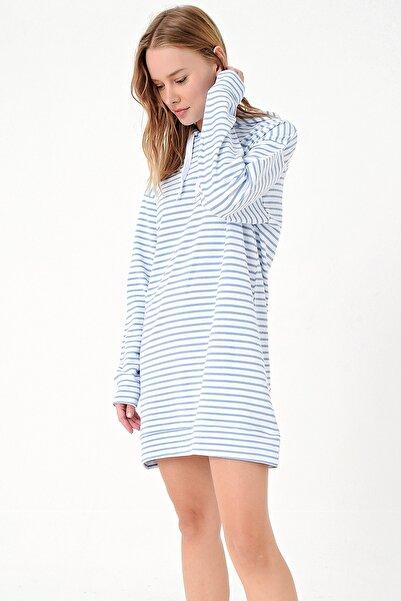 Trend Alaçatı Stili Kadın Mavi-Çizgili Kapşonlu Sweatshırt Elbise ALC-018-109-TE