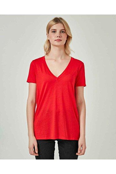 United Colors of Benetton Kadın Kırmızı Liyosel V Yaka Tshirt