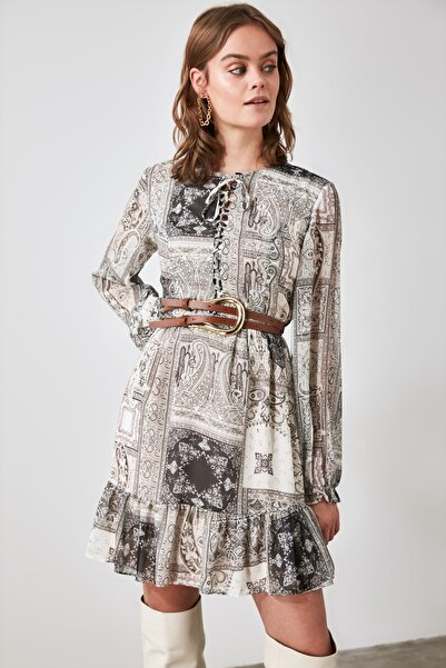 TRENDYOLMİLLA Çok Renkli Kemerli Desenli Elbise TWOAW21EL2047