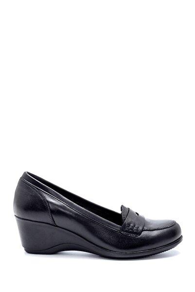 Derimod Kadın Siyah Deri Dolgu Topuklu Ayakkabı
