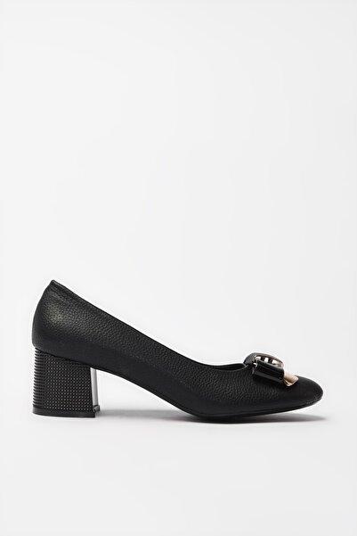 Yaya  by Hotiç Sıyah Kadın Klasik Topuklu Ayakkabı 01AYY188020A100