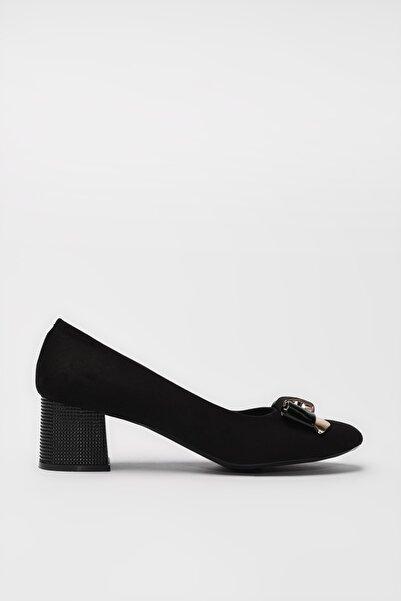 Yaya  by Hotiç Siyah Kadın Klasik Topuklu Ayakkabı 01AYY188030A100