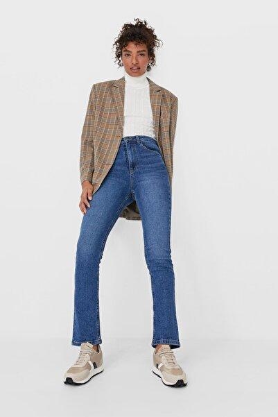 Stradivarius Kadın Açık Mavi Straight Fit Vintage Jean 08505533