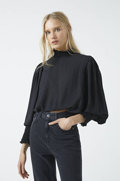 Pull & Bear Kadın Siyah Büzgülü Bluz 05474370