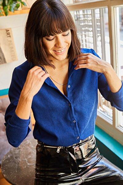 Olalook Kadın Mavi İnce Fitilli Kadife Gömlek GML-19000443