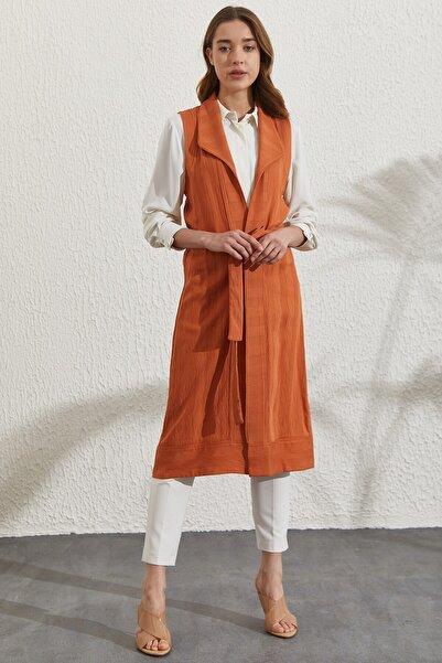 Nihan Kadın Kahverengi Şal Yaka Kuşak Detaylı Uzun Yelek  D1030