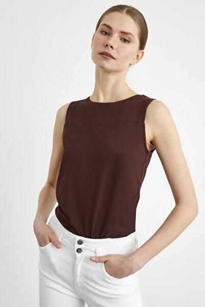adL Kadın Kahve Kolsuz Örme Bluz