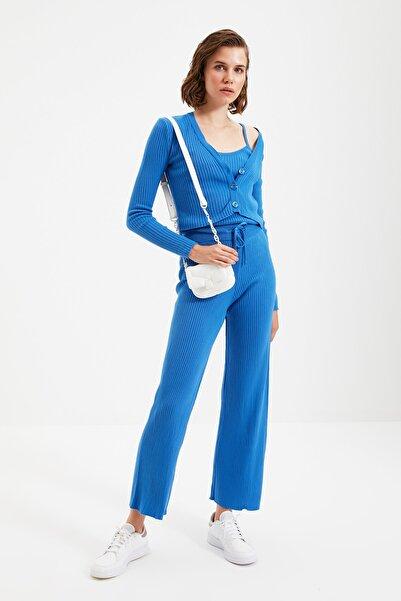 TRENDYOLMİLLA Mavi Fitilli Bluz Hırka Pantolon Triko Alt-Üst Üçlü Takım TWOAW22AU0006