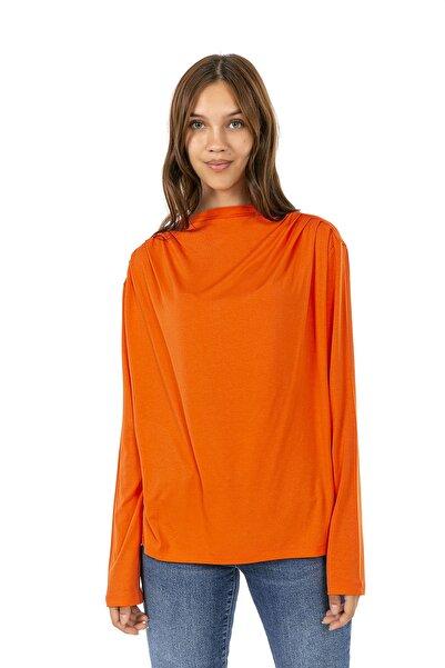 Cadde Cihangir Kadın Omuz Detaylı Büzgülü Uzun Kollu T-shirt Tişört