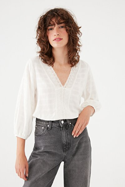 Mavi V Yaka Beyaz Bluz 122850-34519