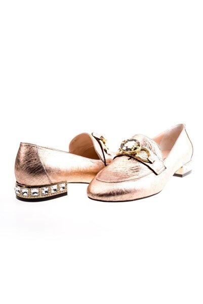 Platin Topuklar Bakır Taş Detaylı Kadın Loafer Ayakkabı