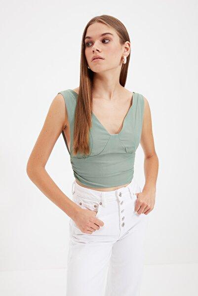 TRENDYOLMİLLA Yeşil Kolsuz Bluz TWOSS21BZ1887