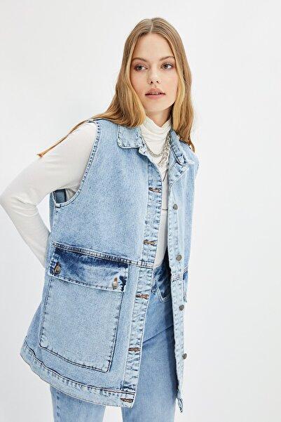Trendyol Modest Indigo Gömlek Yaka Cep Detaylı Denim Yelek Ceket TCTAW22CK0006