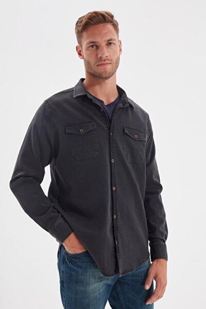 TRENDYOL MAN Siyah Erkek Regular Fit Metal Düğmeli  Gömlek TMNSS20GO0104