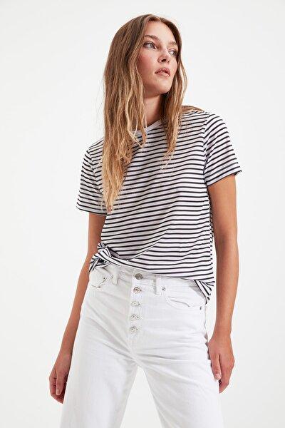 TRENDYOLMİLLA Siyah Çizgili Basic Örme T-Shirt TWOSS21TS0904