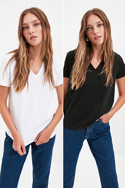 TRENDYOLMİLLA Siyah ve Beyaz %100 Pamuk V Yaka 2'li Paket Örme T-Shirt TWOSS20TS0142