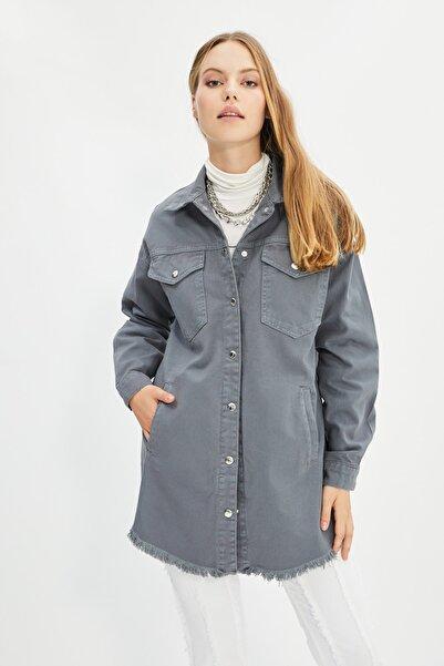 Trendyol Modest Gri Gömlek Yaka Denim Ceket TCTSS21CE0398