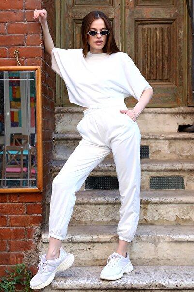 Met Çarşı Kadın Eşofman Takımı Pamuklu Beyaz Eşofman Altı Yarasa Kol Crop Top Tişört Alt Üst