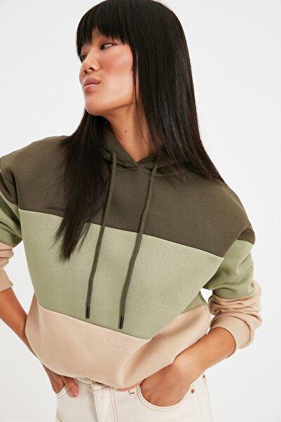 TRENDYOLMİLLA Haki Renk Bloklu Şardonlu Basic Örme İnce Sweatshirt TWOAW20SW0792
