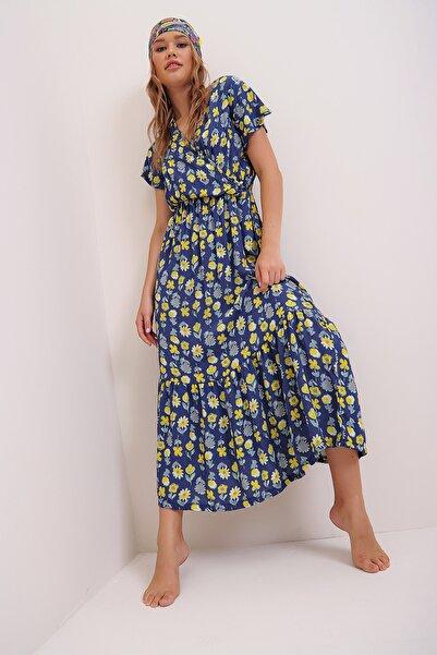 Trend Alaçatı Stili Kadın Mavi Çiçek Desenli Kruvaze Maxı Boy Elbise ALC-X4373