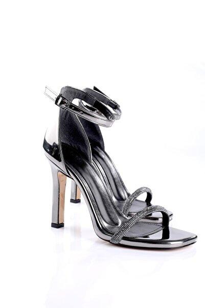 Rek Shoes Antrasit Gri Rugan Taşlı Tek Bant Topuklu Ayakkabı Renk