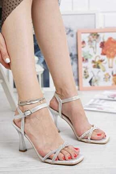 Abiye Kadın Gümüş Ince Pırlanta Taşlı Bilekten Tokalı Klasik Topuklu Ayakkabı