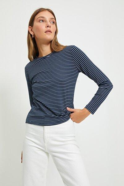 TRENDYOLMİLLA Lacivert Çizgili Basic Uzun Kol Örme Örme T-Shirt TWOAW20TS0097