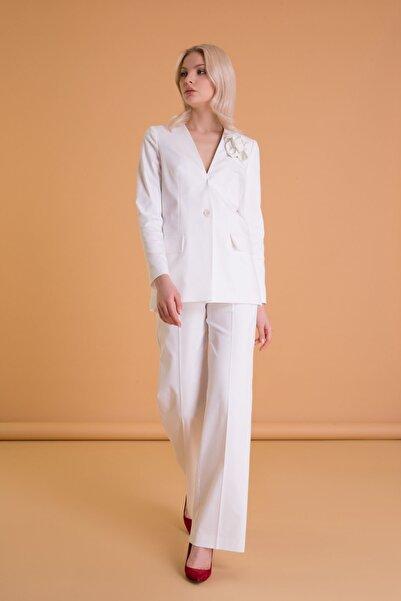 GIZIA CASUAL Çiçek Broş Detaylı Kırık Beyaz Blazer Ceket
