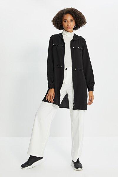 Trendyol Modest Siyah Fermuarlı Tesettür Ceket TCTSS21CE0378