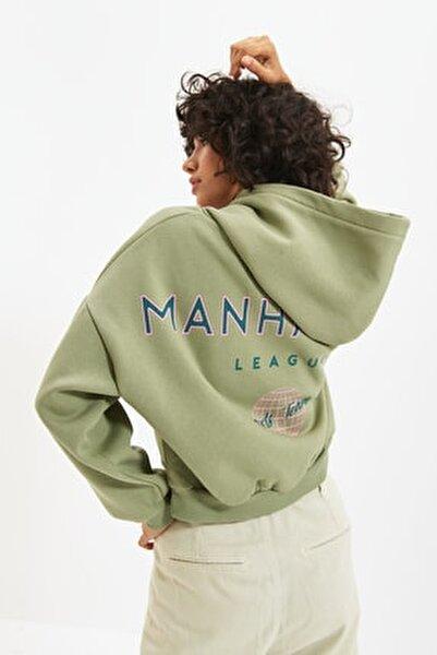 Mint Sırt Baskı Detaylı Kapüşonlu Örme Şardonlu Sweatshirt TWOAW22SW0711