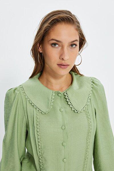 TRENDYOLMİLLA Mint Dantel Detaylı Gömlek TWOSS21GO0035