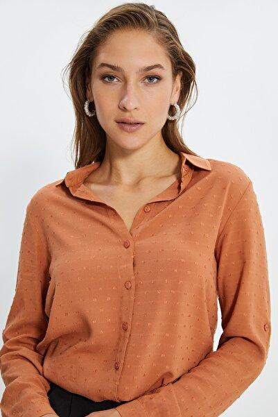 TRENDYOLMİLLA Tarçın Basic Gömlek TWOSS20GO0241