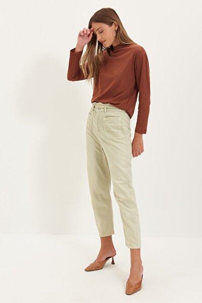 TRENDYOLMİLLA Kahverengi Uzun Kollu Dik Yaka Basic Örme T-Shirt TWOAW20TS0233