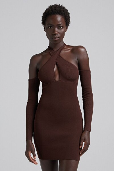 Bershka Kruvaze Yaka Omzu Açık Elbise